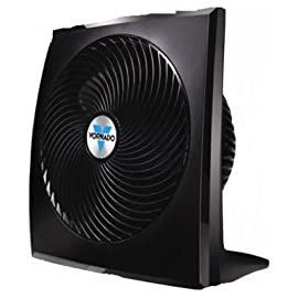 Vornado Fans CR1-0118-06 Whole Room Circulator Fan, Black 7 Utilizes Vornado's signature Vortex air circulation Superior performance through deep-pitched blades that move air up to 60 feet Low-profile design with contrasting high gloss and textured finishes for a modern look