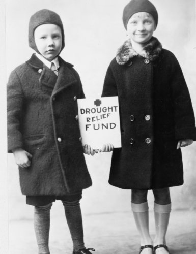 1930 Photo James Patterson  Age 6  And Elizabeth Kent  Age 7  Young Helpers I G4