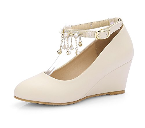 VogueZone009 Women's PU Kitten-Heels Round Closed Toe Solid Buckle Pumps-Shoes Beige