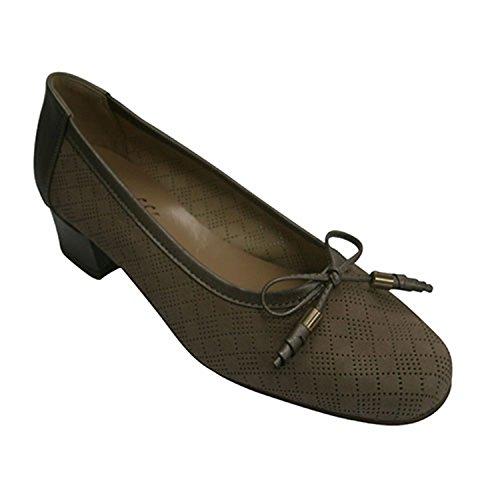 Roldan Zapato Mujer Tipo Manoletinas con Calados Pequeños Haciendo Rombos Roldán EN Beig