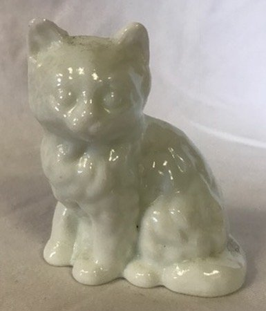 Fluffy Solid Glass Sitting Cat - Mosser USA (Milk Glass)