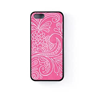 White Floral Swirls on Baby Pink Funda Protectora Snap-On en Silicona Negra para Apple® iPhone 5 / 5s de UltraCases + Se incluye un protector de pantalla transparente GRATIS