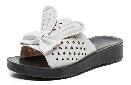 Frau Sommer Strand Hang mit schweren Boden rutschfest Wort zieht flache Sandalen und Pantoffeln White