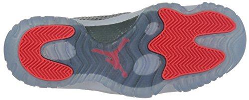 Nike Jordan Hombres Air Jordan Futuro Bajo Lobo Gris / Infrarrojo 23 / Blanco