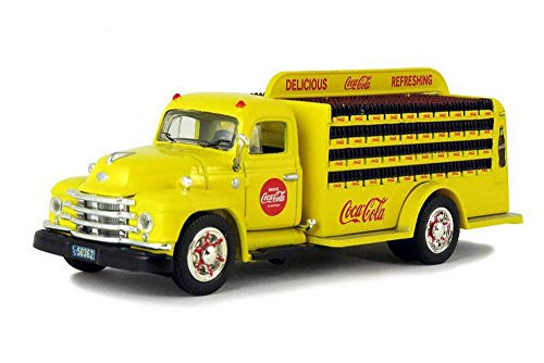 (1955 Diamond T Bottle Delivery Truck, Coca-Cola - Motorcity Classics 450055 - 1/50 Scale Diecast Model Toy)