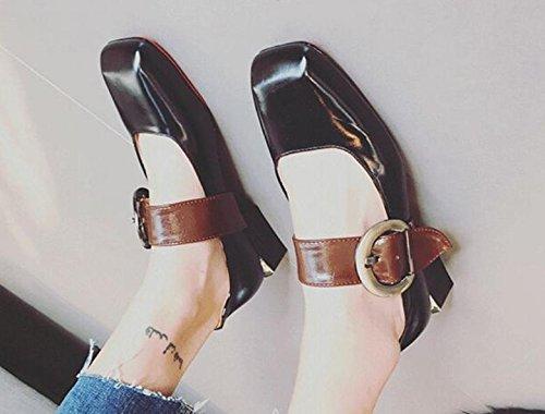 Retro con una hebilla de la palabra con los zapatos de las mujeres hebilla de los zapatos de la boca baja cuadrados Black