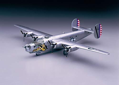 Hasegawa 1/72 Scale B-24J Liberator, US Army WWII Bomber Aircraft Plastic Model Kit # 01559 (B 24j)