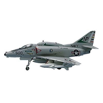 HASEGAWA 00239 1/72 A-4E/F Skyhawk: Toys & Games