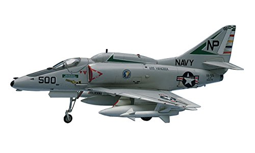 Hasegawa 1:72 Scale A-4E:F Skyhawk Model Kit HAB09