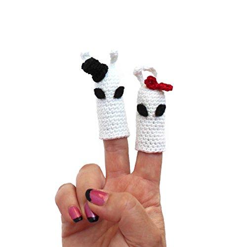 Amigurumi crochet finger puppet aliens by Geekirumi! - Glow in the dark toy - Halloween (Creepy Halloween Decorations Homemade)