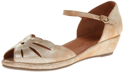 Gentle Souls by Kenneth Cole Women's Lily Moon Wedge Pump, Gold, 6.5 M US