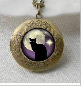 Black Cat Pendant,Black Cat and Purple Vintage Pendant Locket Necklace, Silver Plated pendant,Black Cat Jewelry,Vintage Pendant Locket Necklace -