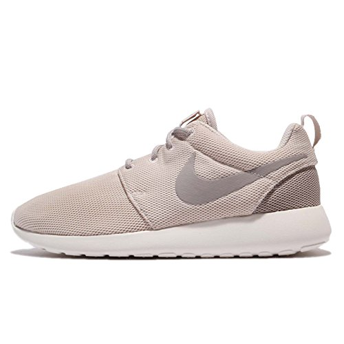4160687faef Galleon - Nike Womens Roshe One Casual Shoe Light Orewood Brown (7 B(M) US)