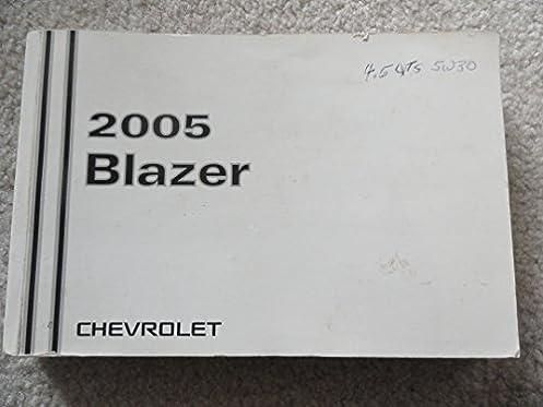 2005 chevy chevrolet blazer owners manual amazon com books rh amazon com 2004 Chevrolet Blazer 2004 Chevrolet Blazer