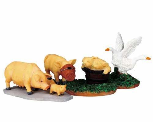 2009 Pig Family Doings Set of 3 Christmas Village Figurines