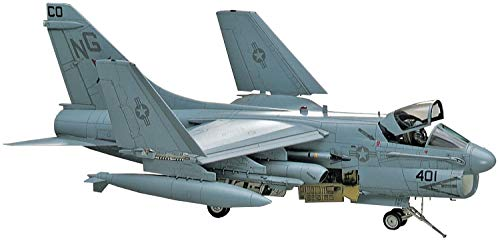 Hasegawa A7-D/E Corsair II USAF/Navy Attacker Aircraft 1/48