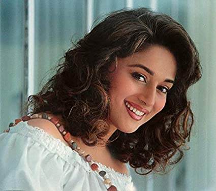 Online Center Beautiful Actress Madhuri Dixit Hd Wallpaper