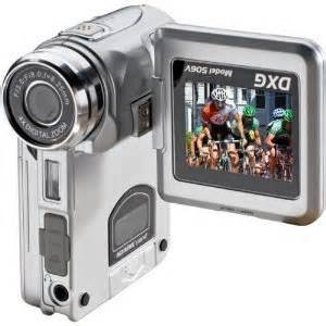 Amazon DXG 565V 5MP DIGITAL VIDEO CAMERA RED Camcorders