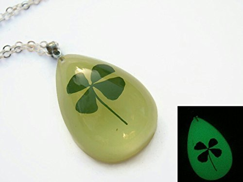 Real Four Leaf Clover Pendant on 18