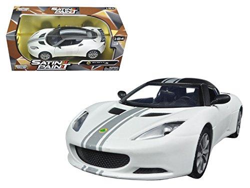 lotus-evora-s-matt-white-1-24-model-car-by-motormax