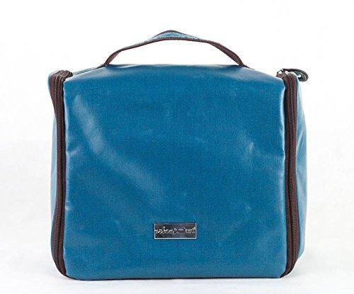 urban-junket-hanging-travel-handbag-lagoon