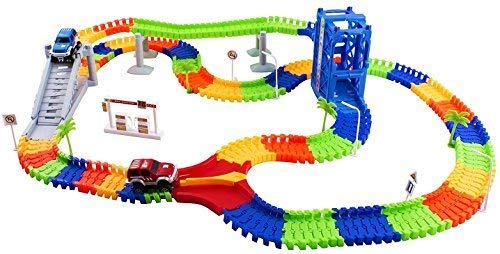 Race Carトラックセットおもちゃ教育Twisted柔軟なトラック240個2Cars Toy withリフター、ブリッジ、木、ガスステーションforキッズ子供おもちゃ