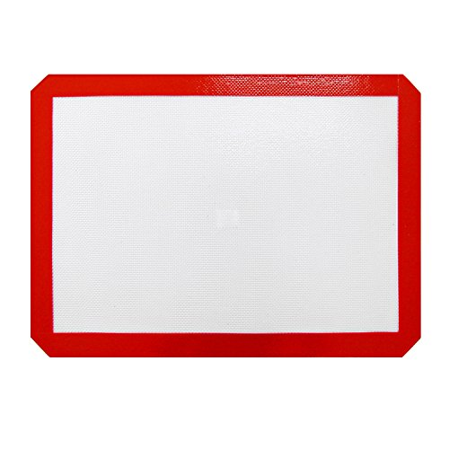 New Star Foodservice 36626 Commercial Grade Silicone Baking Mat Non-Stick Pan Liner, 11 x 17 inch (Half Size) Pack of 12 by New Star Foodservice