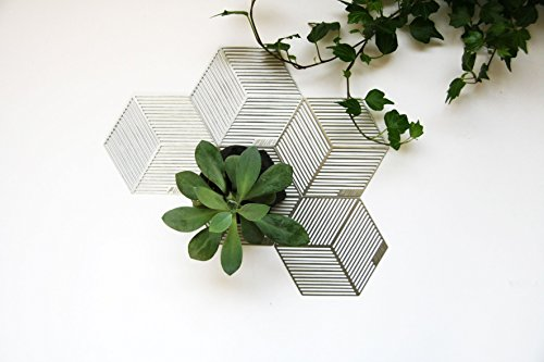"Modern Geometrical Stainless Steel Round Coasters ""Seco"", Set of 5 - Surface Protection from Water and Scratch Damage for Kitchen, Bar Table, Cup, Glass, Mug, Beer & Wine Bottle"
