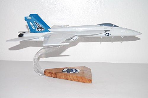 Fa 18e Super Hornet (VFA-143 Pukin Dogs FA/18E Wooden Model)