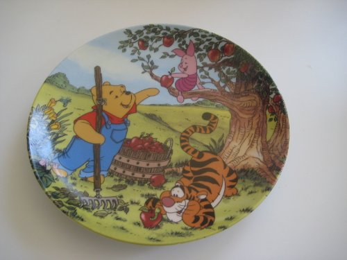 Disney Winnie Pooh Collectible Plate (Disney Winnie The Pooh An Apple For You Bradford Exchange Plate)