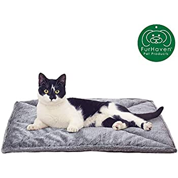 Furhaven Pet Dog Bed Heating Pad | ThermaNAP Quilted Faux Fur Insulated Thermal Self-Warming Pet Bed Pad for Dogs & Cats, Gray