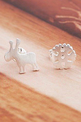 Thai Love Korean women girls lady fashion earrings small fresh sweet simple earrings personalized earrings Buckle by Generic