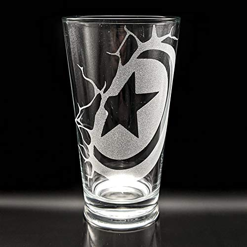 Engraved Pint Glass Inspired by Marvel Comics CAPTAIN AMERICA SHIELD SMASH