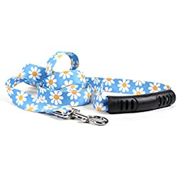 "Yellow Dog Design Blue Daisy Ez-Grip Dog Leash with Comfort Handle 3/4"" Wide and 5' (60"") Long, Small/Medium"