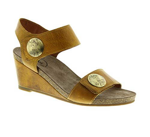 Taos Women's Carousel Yellow Leather Sandal 36 M ()