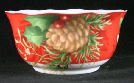 222 Fifth Poinsettia Holly Red Christmas Cereal Bowls, Set of 4 ()