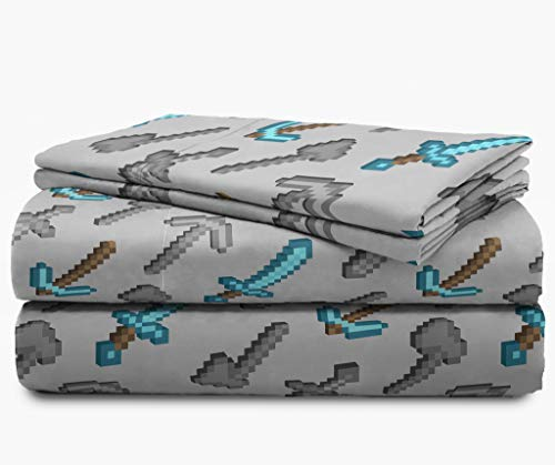ca35ef7d3f4b Jay Franco Minecraft Isometric Characters Full Sheet Set - Super Soft and  Cozy Kid s Bedding Features