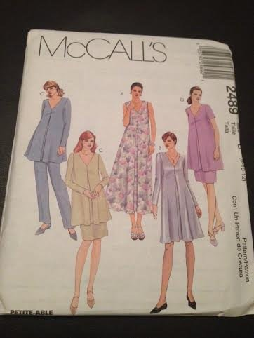 f9f6d43673d56 Amazon.com: McCall's 2489 Sewing Pattern, Maternity Dress in Two ...
