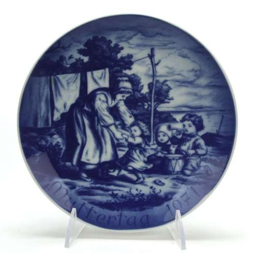 Mother's Day by Bareuther, Porcelain Decorators (Bareuther Mothers Day Plate)