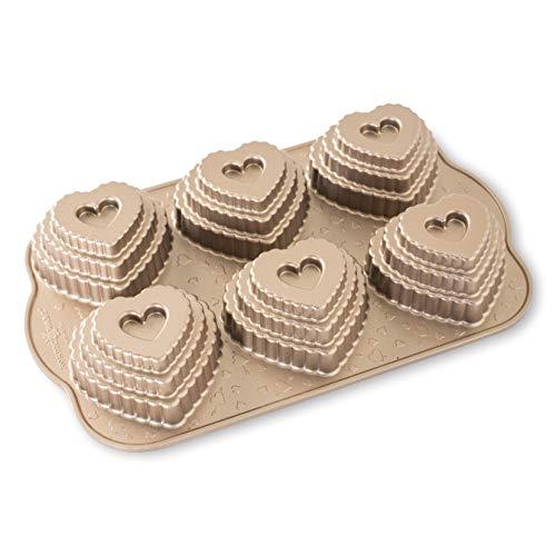 """Nordic Ware 3D-muffinvorm """"hart – krans"""" – getrapte voor romantische lekkernijen"""
