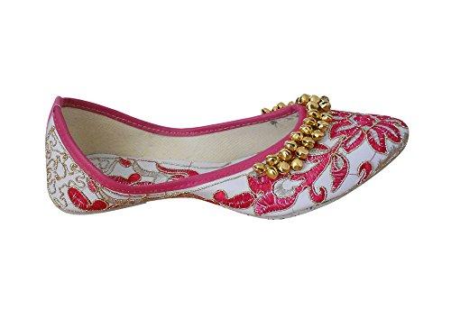 KALRA Creations Damen Traditionelle indische Rexine mit Stickerei Hochzeit Schuhe Merhfarbig