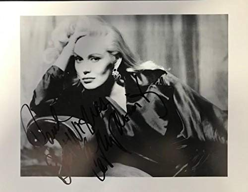 Cathy Moriarty Autographed Black & White 8x10 Photo