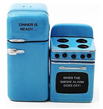 (Retro Fridge and Stove Dinner is Ready Magnetic Ceramic Salt and Pepper Shakers)