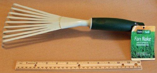 Gardening Fan Rake with Ergonomic Grip