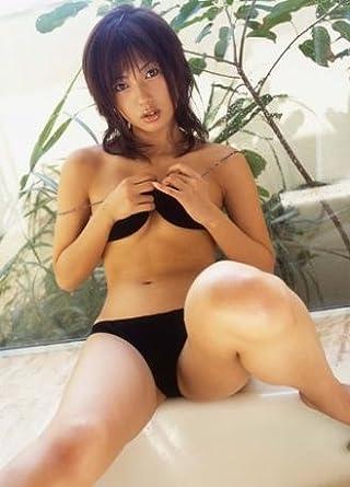 小倉遥さんのビキニ