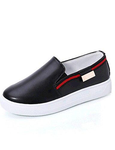 ZQ gyht Zapatos de mujer-Tacón Plano-Comfort-Mocasines-Exterior / Casual-Semicuero-Negro / Rojo / Blanco / Plata , silver-us8 / eu39 / uk6 / cn39 , silver-us8 / eu39 / uk6 / cn39 red-us9 / eu40 / uk7 / cn41