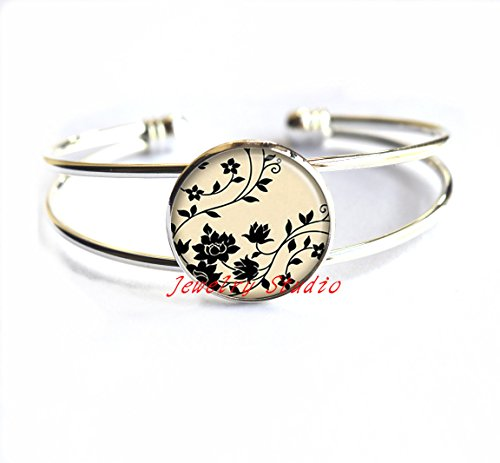 Black & White Swirling Dome - Black Swirling Flowers Bracelet, flower Bracelets, flower jewelry, flower Bracelets charm, black and white jewelry, flower Bracelet charm-HZ00339