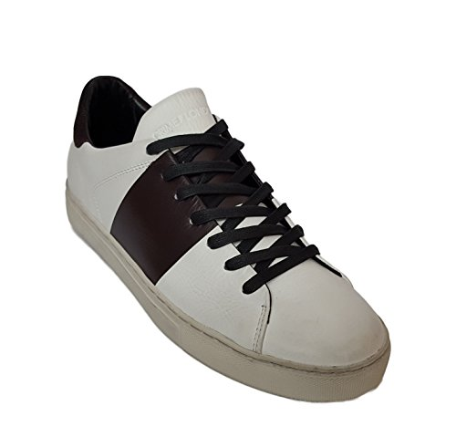Sneakers uomo Crime London, art.112001A1610, tomaia in pelle bianca con dettagli bordeaux.