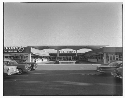 Photo: Cortez Plaza Shopping Center,Bradenton,Florida. Mid-mall - Bradenton Mall