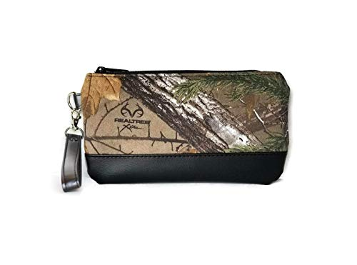 Realtree Camouflage Wristlet Purse by Reindeer Country